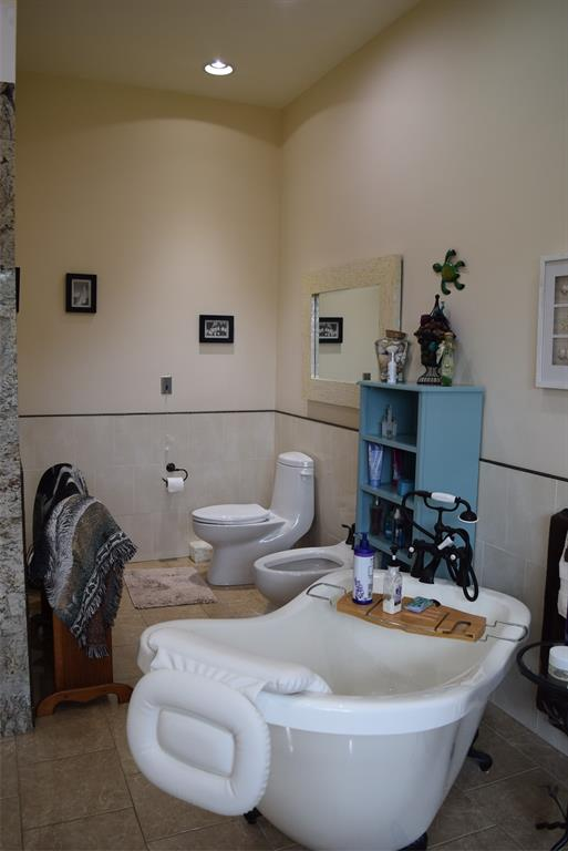 Master Bath has a Clawfoot tub to relax in and a bidet!